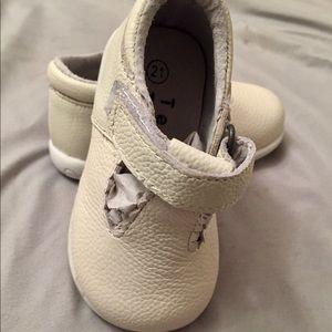 NEW, Infant Girl Euro Sz 21/US 4 Leather Shoes